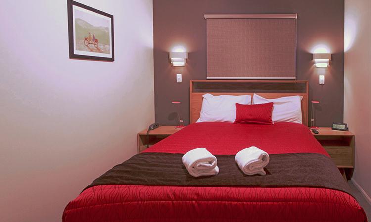 Bedroom 3 | George Street Motel Apartments