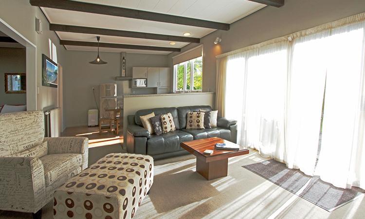 Luxury living area | George Street Motel Apartments
